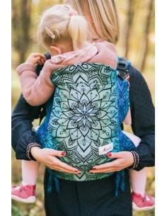 lenka-toddler-mandala-polar-day-be-lenka-porte-bebe-preforme-mes-tendances-bio